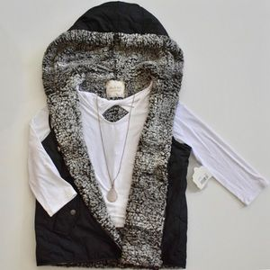 Altar'd State | NWT Faux Fur-Lined Vest with Hood